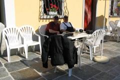 3-05N_Frühstückskaffee_um_11_Uhr_Richtung_Locarno