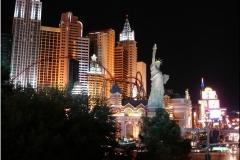 11 NEW YORK NEW YORK BY NIGHT