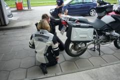 K1024_1.Mai 12 -Stop bei Miltach Reifenpanne