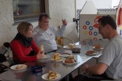 K1024_2.Mai 41-Kaffeepause in St.Oswald mit Schreinerkuchen